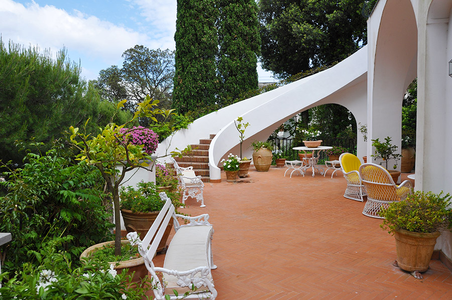 apartment for sale in luxury historic villa of capri italy
